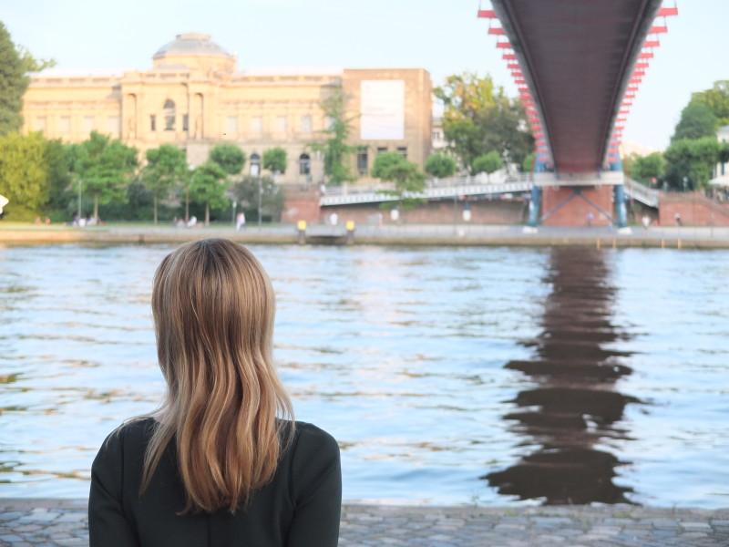 Am Mainufer an einem warmen Juli-Abend