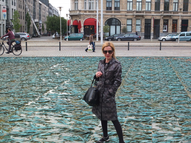 On the square in front of the Royal Museum of Fine Arts wearing my favorite Burberry trench, Yves Saint Laurent bag (from the time when Yves was part of the brand name, now only Saint Laurent), sunglasses by Christian Roth